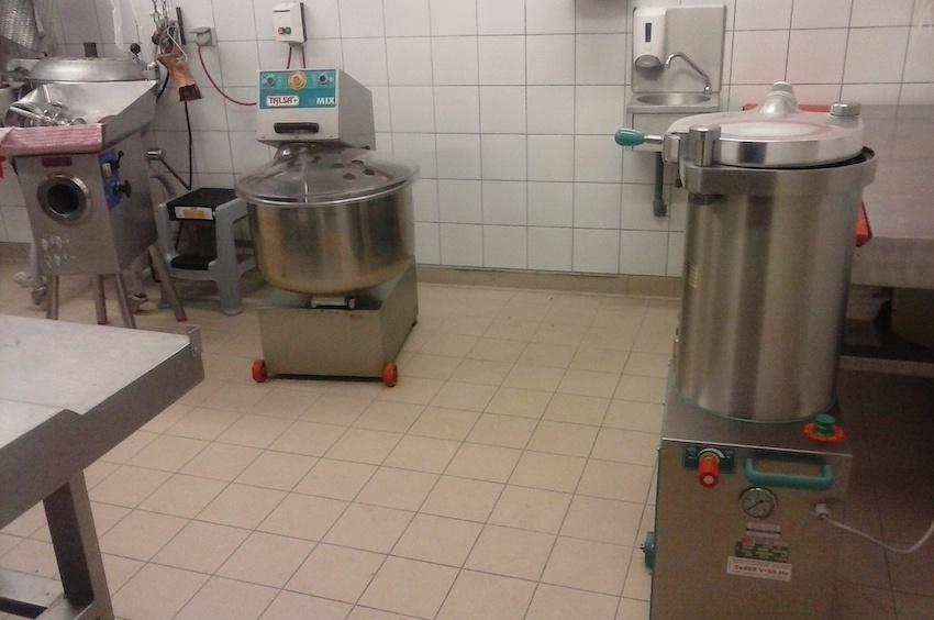 Boucherie Vaysse - Prayssac (46) - Conception du laboratoire de production, agrandissement et remise aux normes - Etudes et suivi de mise en œuvre du froid commercial - Maîtrise d'oeuvre d'exécution - GCB Etudes - Grand Est